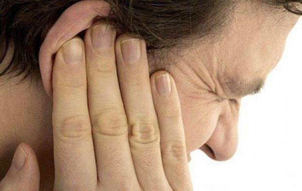 Síntomas de dolor auditivo y causas